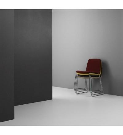 Eleganckie krzesło JUST CHAIR od Normann Copenhagen - różne opcje wykończenia - tapicerowane