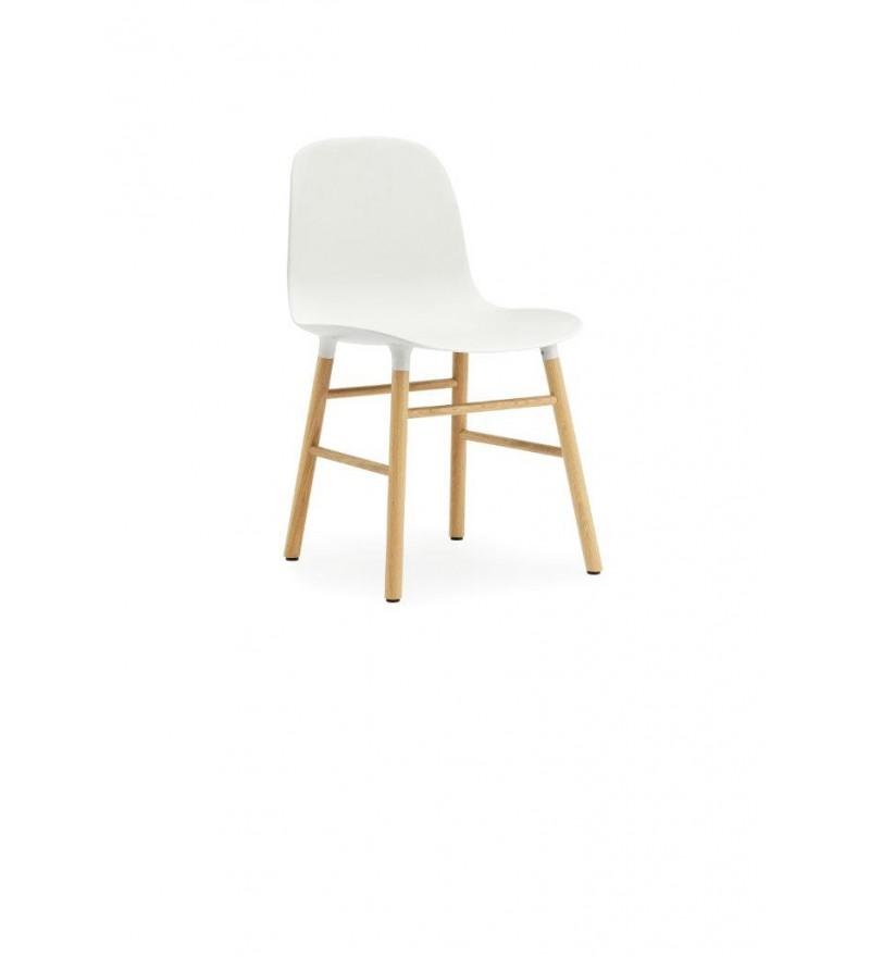 Krzesło na dębowych nogach FORM CHAIR Normann Copenhagen - różne kolory