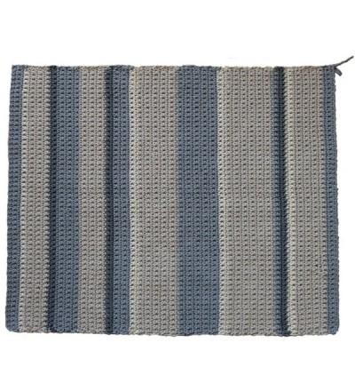Ręcznie dziergany dywan z wzorem w pasy 100 x 120 cm