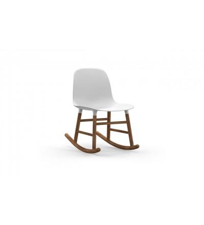 Krzesło bujane na płozach z orzecha FORM ROCKING CHAIR Normann Copenhagen - różne kolory
