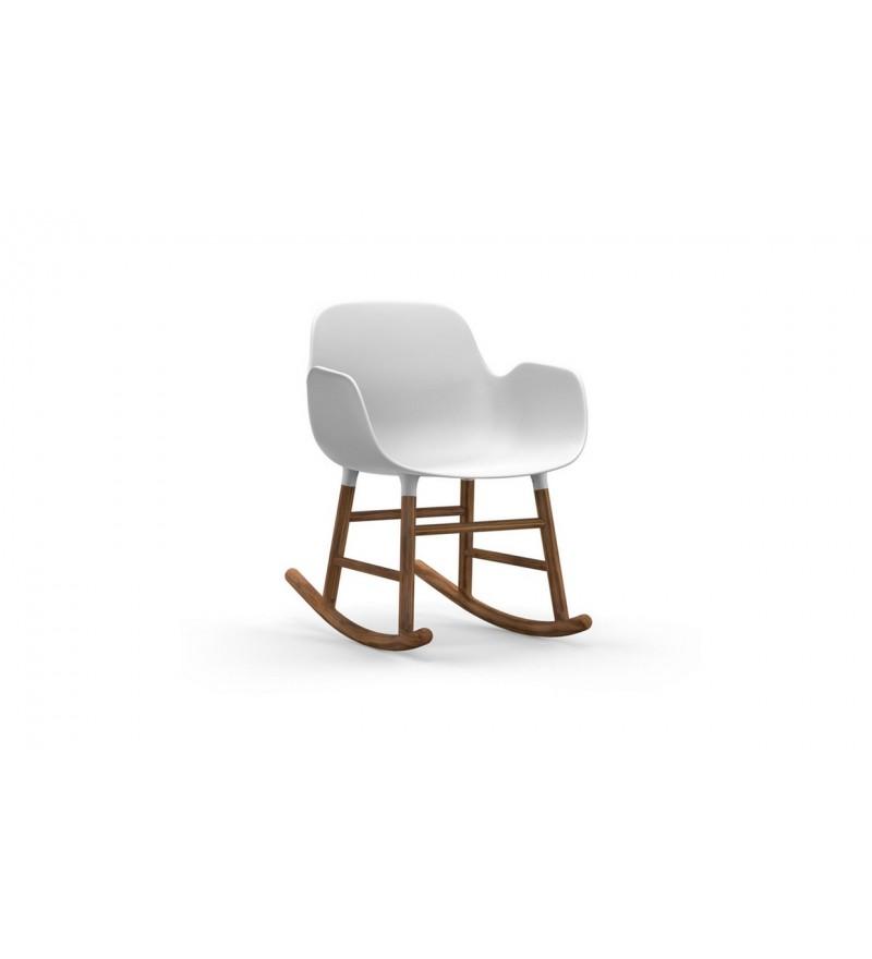 Fotel bujany na płozach z orzecha FORM ROCKING ARMCHAIR Normann Copenhagen - różne kolory