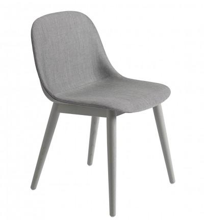 Krzesło tapicerowane na drewnianej podstawie Fiber Side Chair Wood Base Muuto - różne kolory