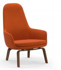 Fotel tapicerowany ERA LOUNGE CHAIR Normann Copenhagen - wysoki, nogi z orzecha włoskiego, różne kolory siedziska