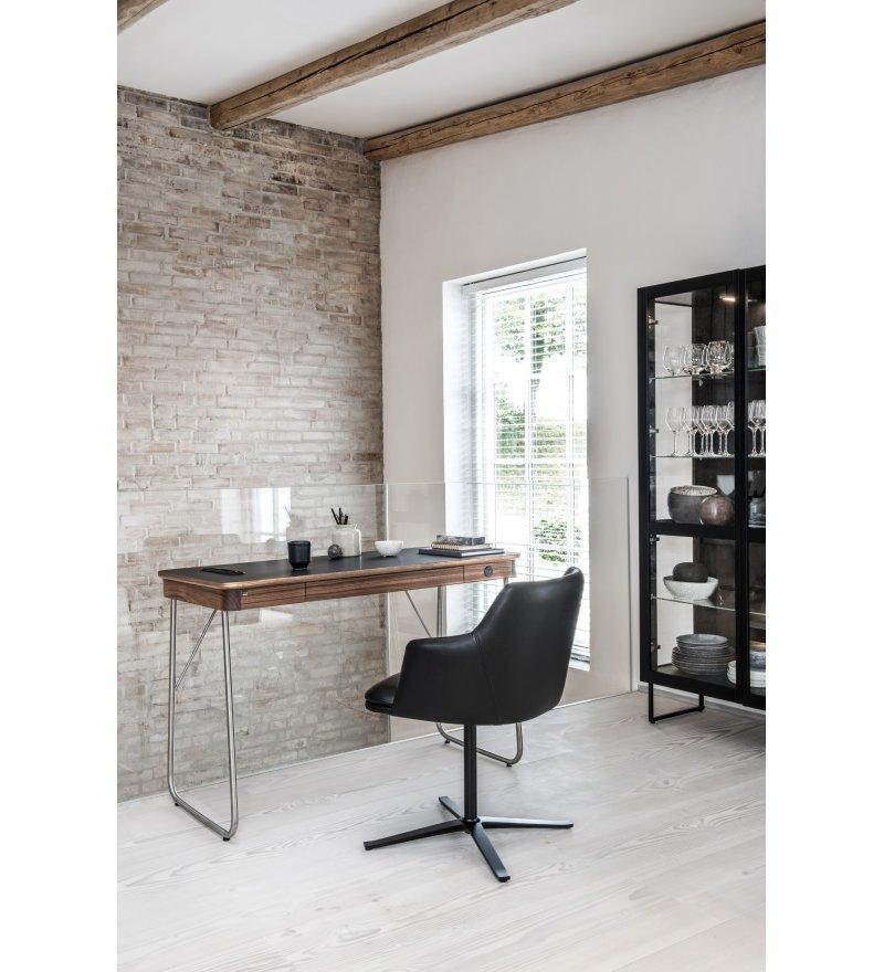 Krzesło tapicerowane SM55 Skovby- różne tkaniny, 2 kolory obrotowej podstawy