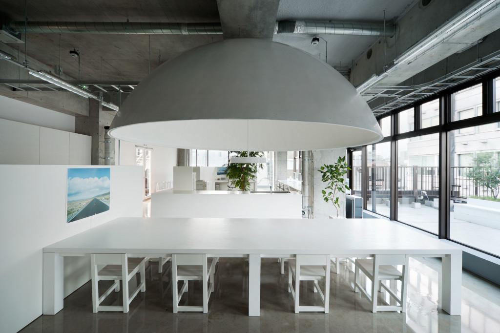 office-design-in-tokyo-white-interior-design-ideas-kenholt