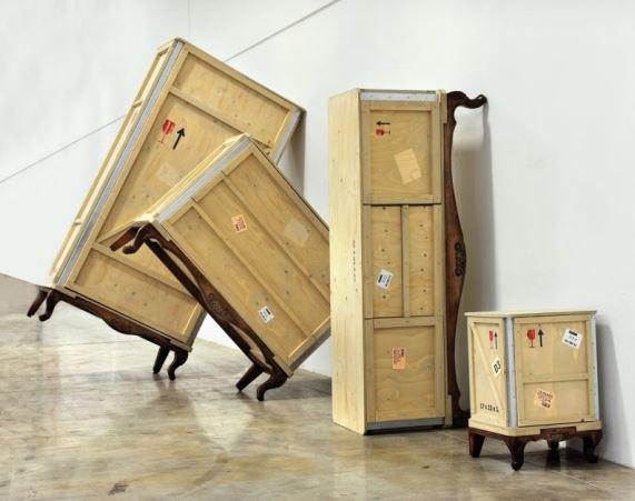 Linia mebli drewnianych Export Comò, Pufa Design