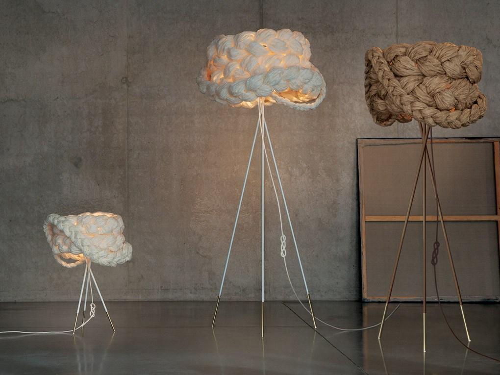 Lampy The Bride w wersji podłogowej i stołowej, Pufa Design