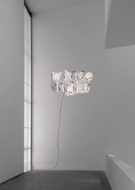 Neon Art, seria neonów do wnętrz, Pufa Design