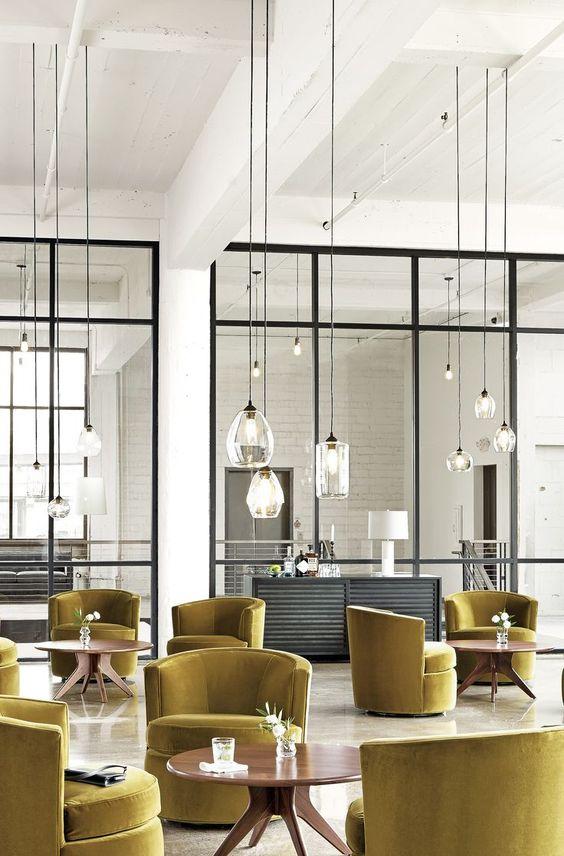 Inspiracja pokazująca jaki efekt dają mini lampy w zestawieniu - rewelacja, fot. Room & Board