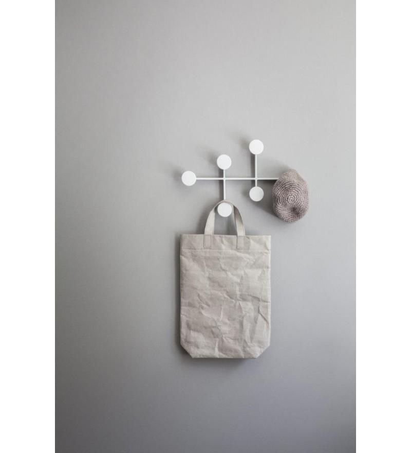 Wieszak z serii Afternoon w aranżacji holu, Menu, Pufa Design