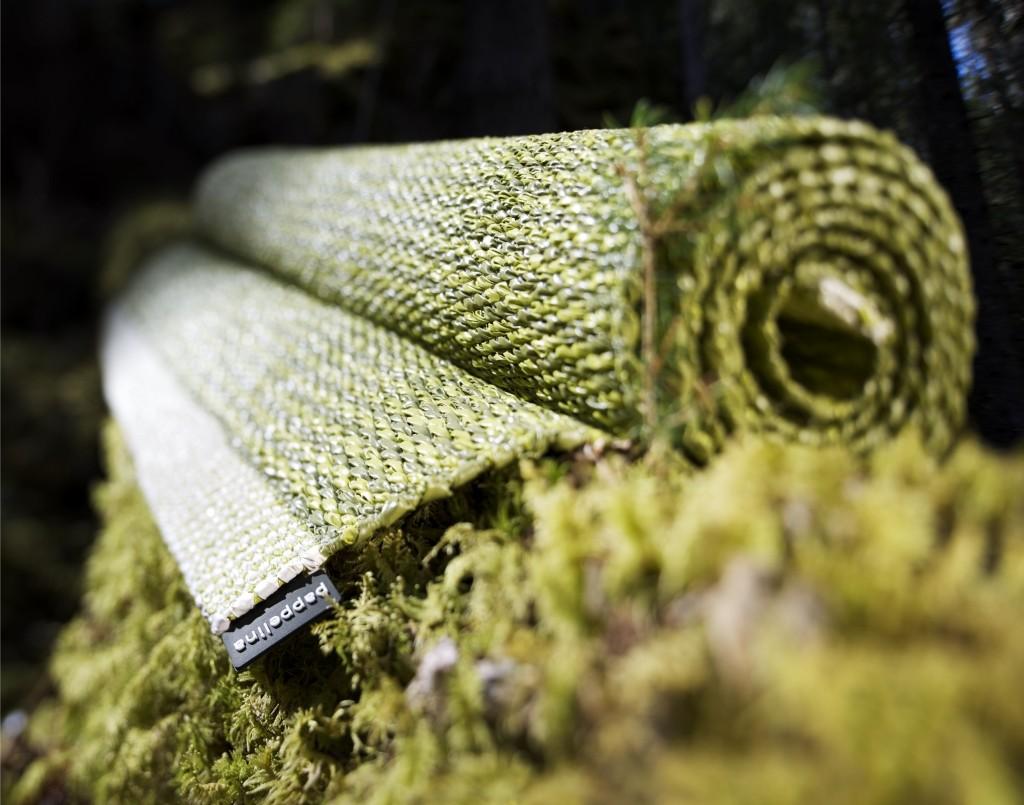 Tradycyjnie tkany dywan MONO w szwedzkiej manufakturze, Pappelina