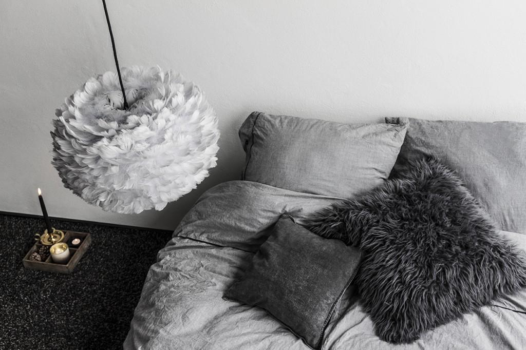 Pufadesign.pl_Eos_medium_light_grey_black_cord_seen_from_above_bedroom_environment