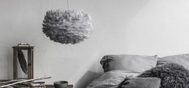 Lampa z piór Eos XL Light Grey Vita Copenhagen w aranżacji, Pufa Design