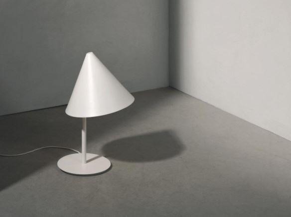 Lampa Conic, Pufa Design
