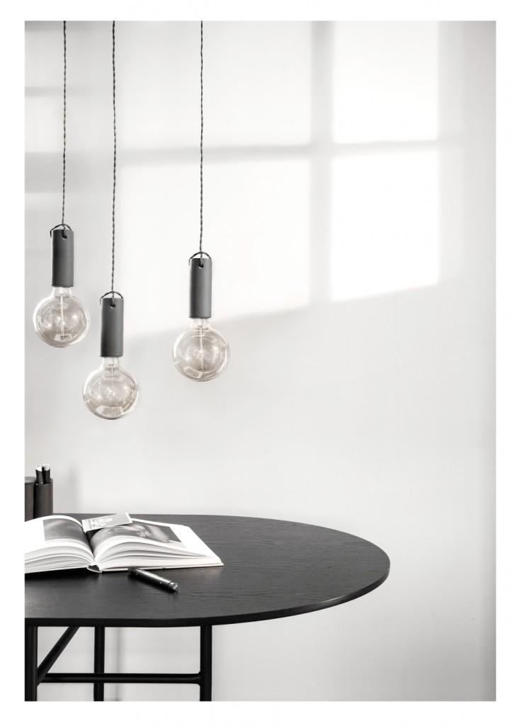 Lampa wisząca Tied, drobna, delikatna oprawa wykonana jest z betonu o satynowej powierzchni. Kabel pokryty jest tkaniną, Pufa Design