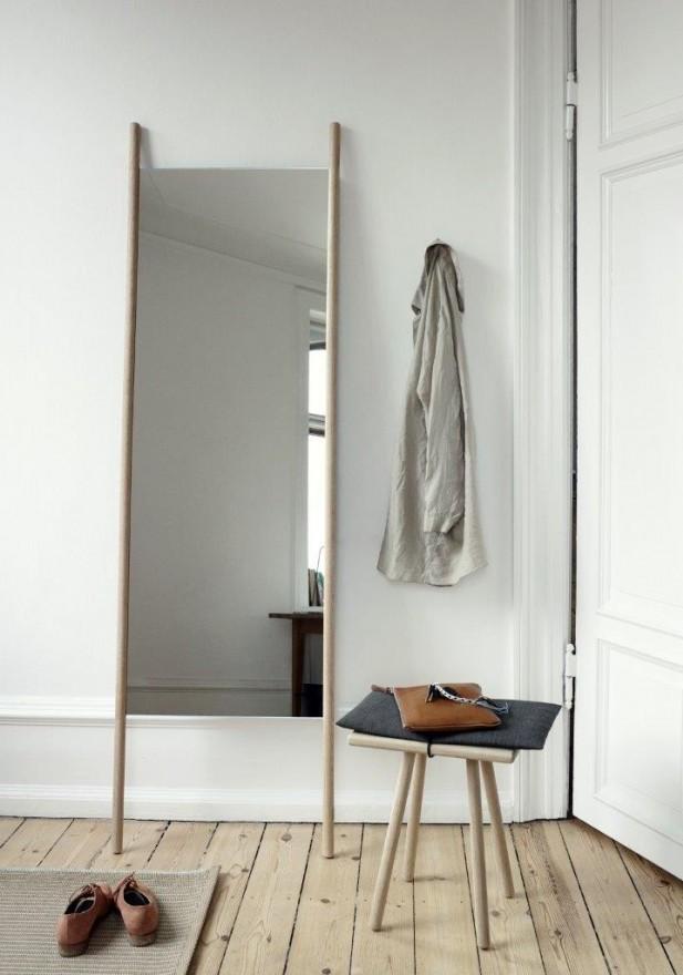 Lustro dębowe stojące i stołek Georg Skagerak, Pufa Design