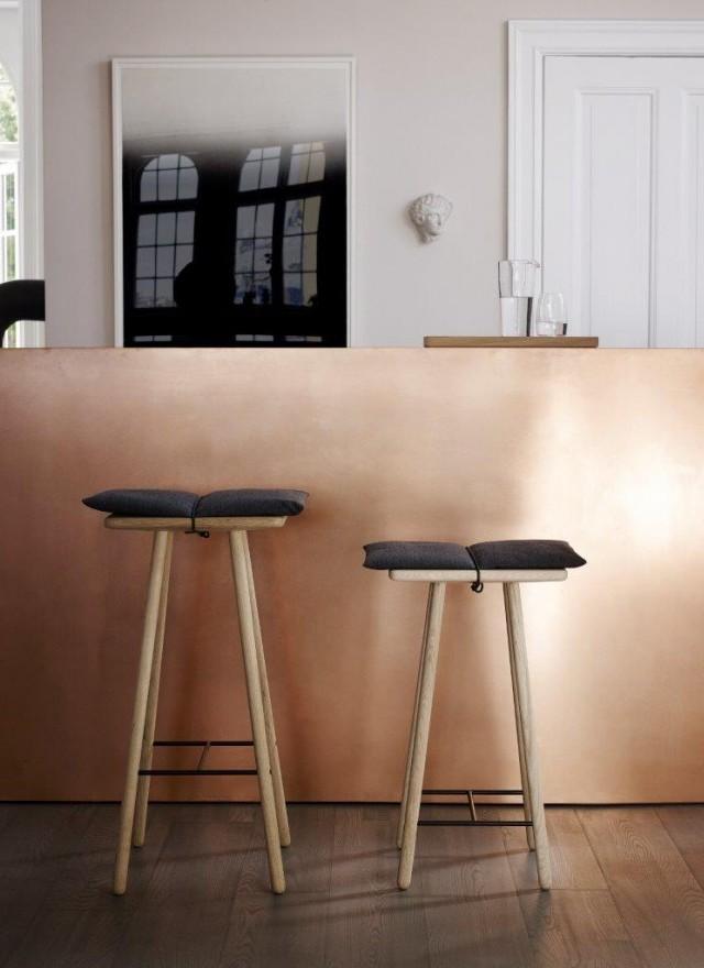 Taboret i wysoki stołek barowy dębowy Georg Skagerak, Pufa Design