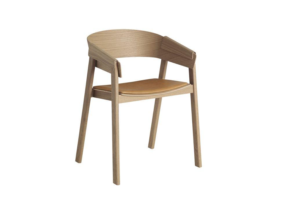 Cover Chair, wygoda i ekskluzywne wzornictwo kryje się w mistrzowskim warsztacie stolarskim, Muuto, Pufa Design