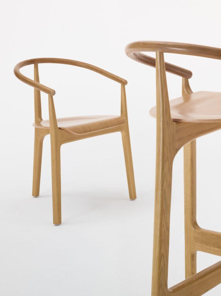 Klasyka, wspaniałe rzemiosło polskich mistrzów stolarstwa, krzesło Evo Paged Collection, Pufa Design
