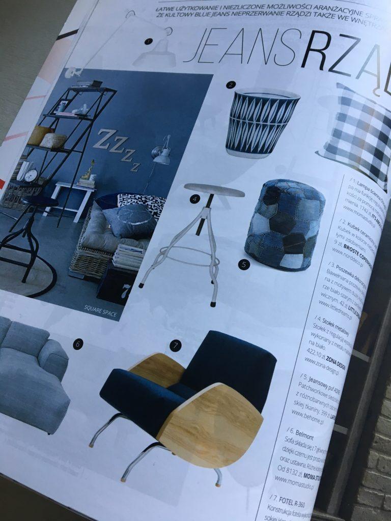 Niejednoznaczny, uniwersalny kolor jeansu, w aranżacji pojawił się fotel R-360 projektu Janusza Różańskiego, do kupienia w Pufa Design