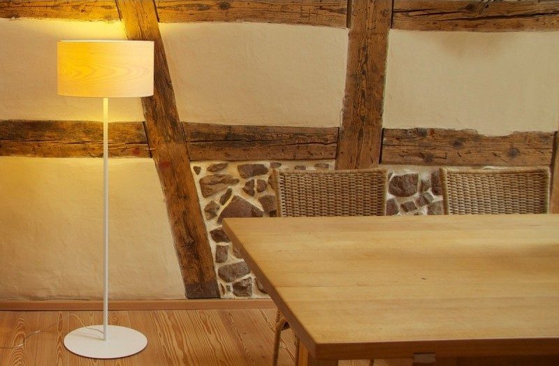 Funk z kloszem o średnicy 40 cm rekomendowana jest do mieszkań, restauracji, hoteli, eleganckich biur, Dreizehngrad, Pufa Design