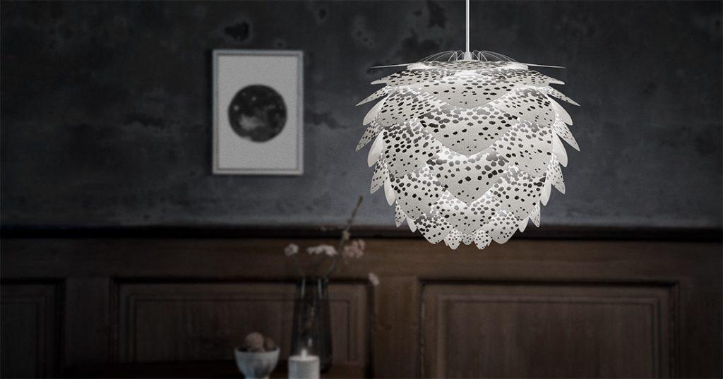 Vita Copenhagen zachęca do twórczych eksperymentów z abażurem lampy Silvia mini Create, Pufa Design