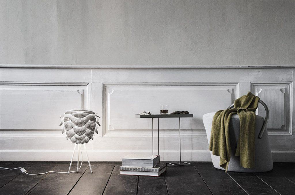 Indywidualnie zadrukowany abażur lampy Silvia mini Create można montować zarówno jako lampę wiszącą, jak i stojącą, Pufa Design