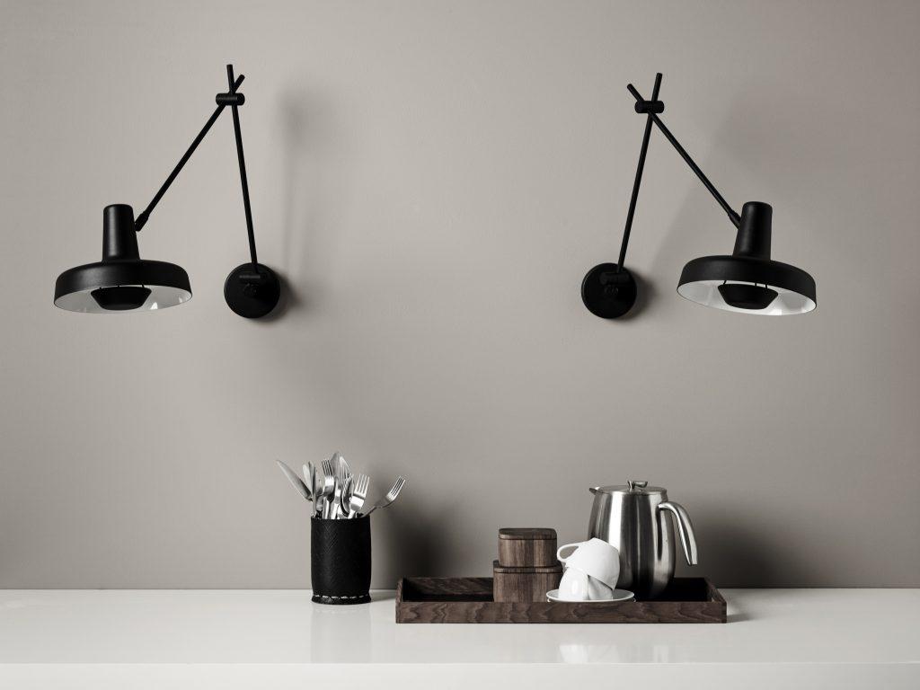 Kinkiet Arigato w podwójnym oświetleniu blatu kuchennego, Grupa Products, Pufa Design