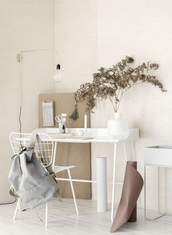 Pomysł na aranżacje kinkietu Staple w miejscu do pracy, Menu, Pufa Design
