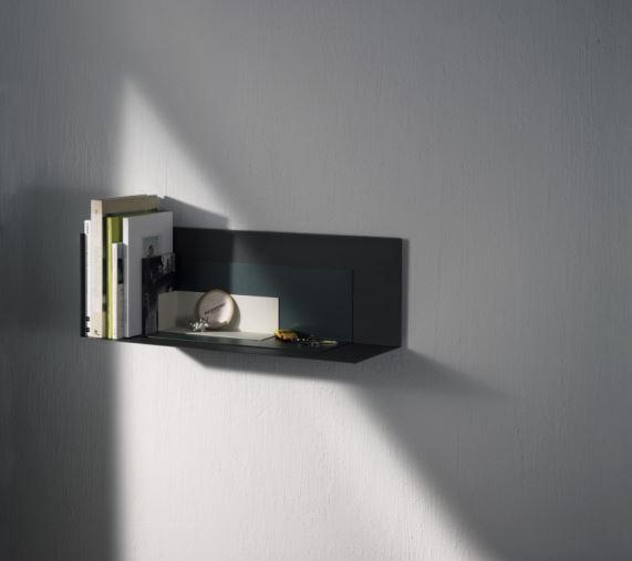 Funkcjonalnie, na minimalnej przestrzeni, półka Corner Shelf, Menu, Pufa Design