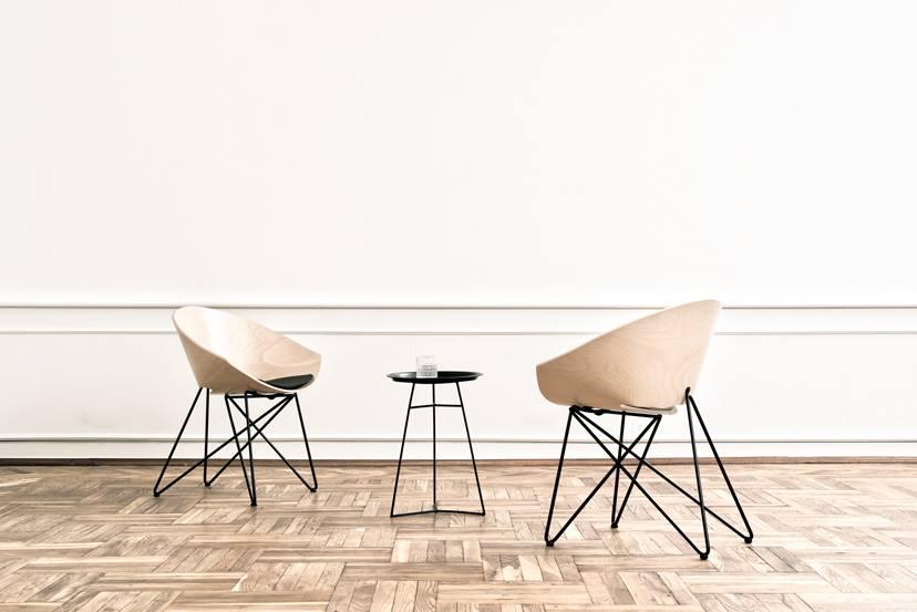 Fotel RM56 Wood, projekt z lat 50. Prof. Romana Modzelewskiego, Vzór, Pufa Design