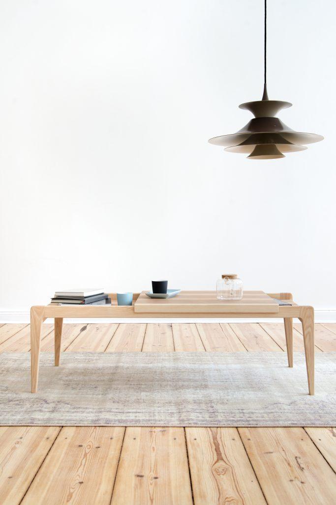 Stolik - ława z wbudowaną tacą, projekt R-1378 Janusza Różańskiego, Politura, Pufa Design