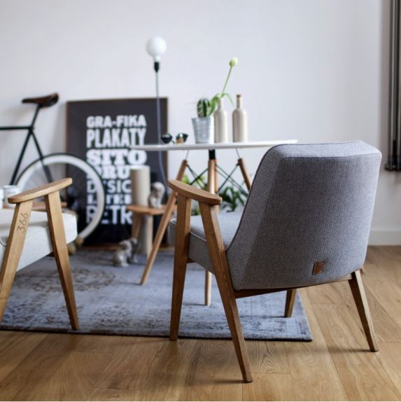 Fotel 366 zaprojektowany przez Józefa Chierowskiego w 1962 roku, 366 Concept, Pufa Design