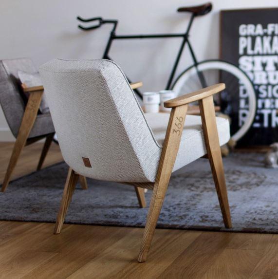 Staranne, piękne wykończenie balansujące między klasyką a nowoczesnością, fotel 366 zaprojektowany przez Romana Modzelewskiego, 366 Concept, Pufa Design