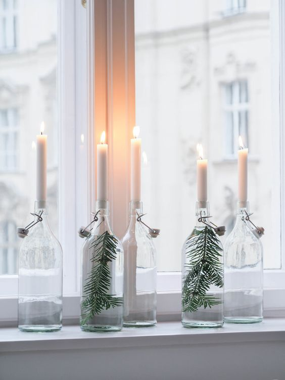 Butelka, świeca, iglasta gałązka, taką skandynawską ozdobę można zrobić samemu