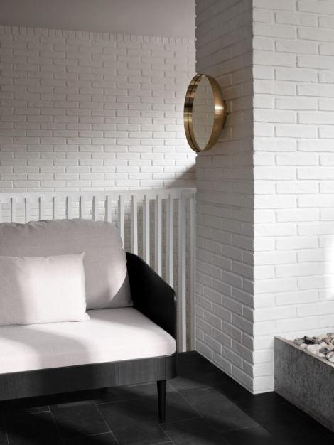 Wykończona fornirem jesionowym sofa Septembre, Menu, Pufa Design