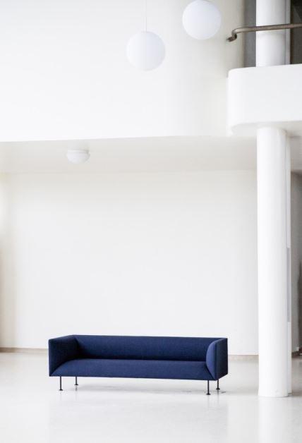 Sofa Godot o kubikowym kształcie, Menu, Pufa DEsign