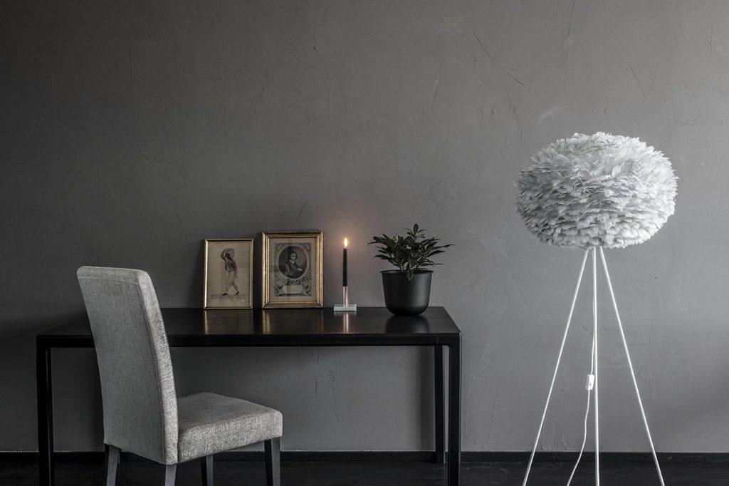 Lampa Eos Light Gray Large, podstawa Tripod, zestaw Vita Copenahgen, Pufa Design