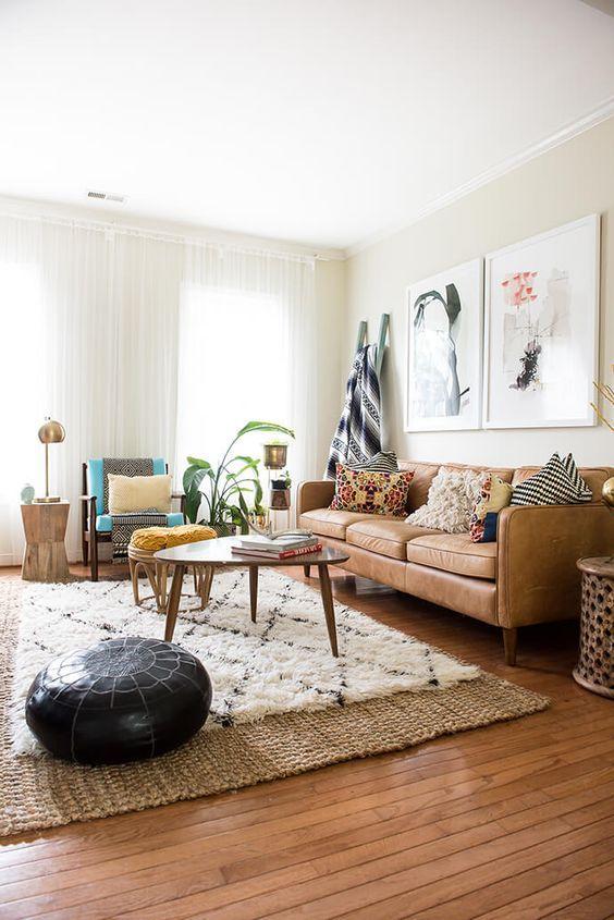 Wnętrze w stylu boho, użycie tekstur i kolorów jest dowolne i luźno potraktowane, fot. Pinterest