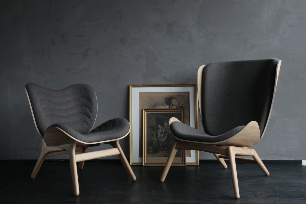 Wygodne i precyzyjnie wyprofilowane fotele z kolekcji mebli Furniture Feelings, Pufa Design