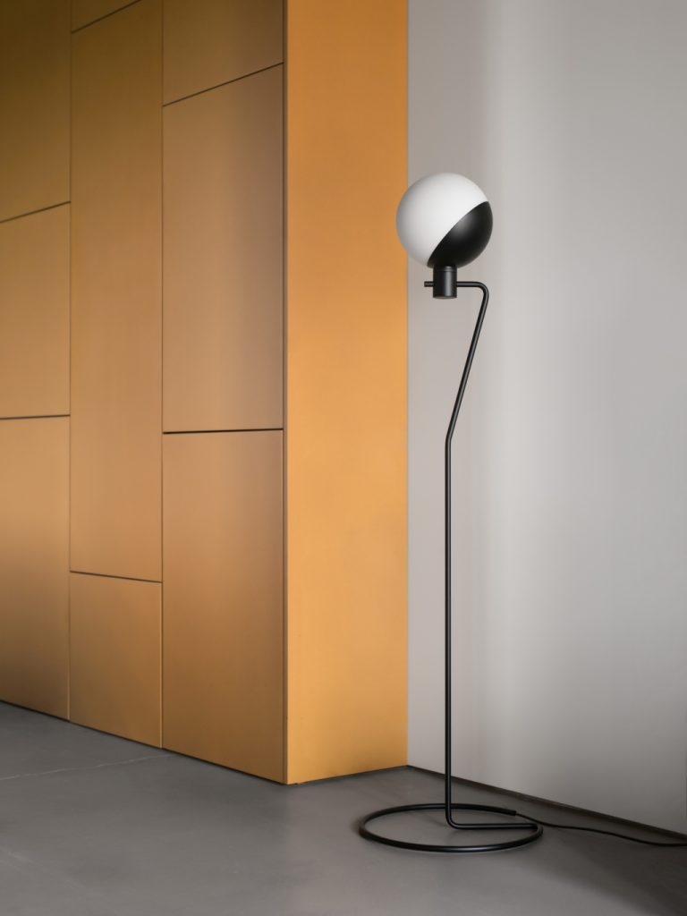 Lampa podłogowa Baluna, Grupa Products, Pufa Design