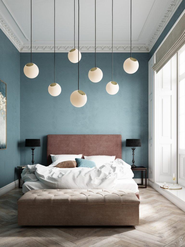 Wygodna i przytulna sypialnia z lampami Bright Spot, Nordic Tales, Pufa Design