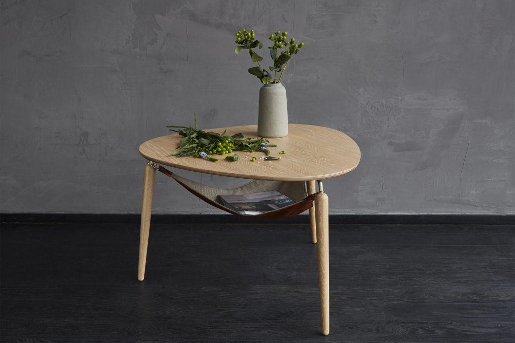 Stolik kawowy z hamakiem do przechowywania Hang Out, Pufa Design