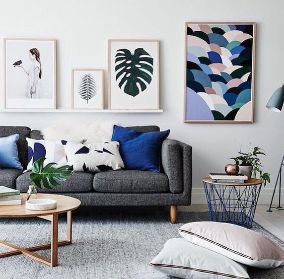Poduchy w salonie znajdują się w strefie dywanu, fot.Pinterest