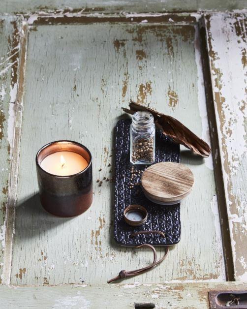 swieca-sojowa-w-ceramicznym-sloju-hk-living-o-zapachu-drewna-bursztynowego