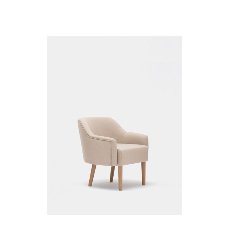 Fotel z kolekcji FUM, Paged Collection, projekt Tomek Rygalik, dostępny w Pufa Design