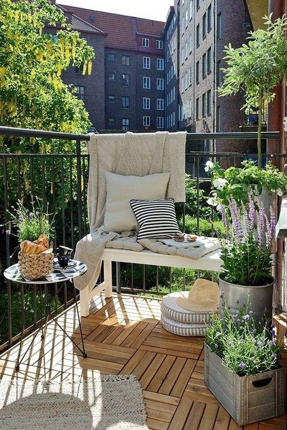 Styl industrialny w aranżacji balkonu, inspiracja fot. Pinterest