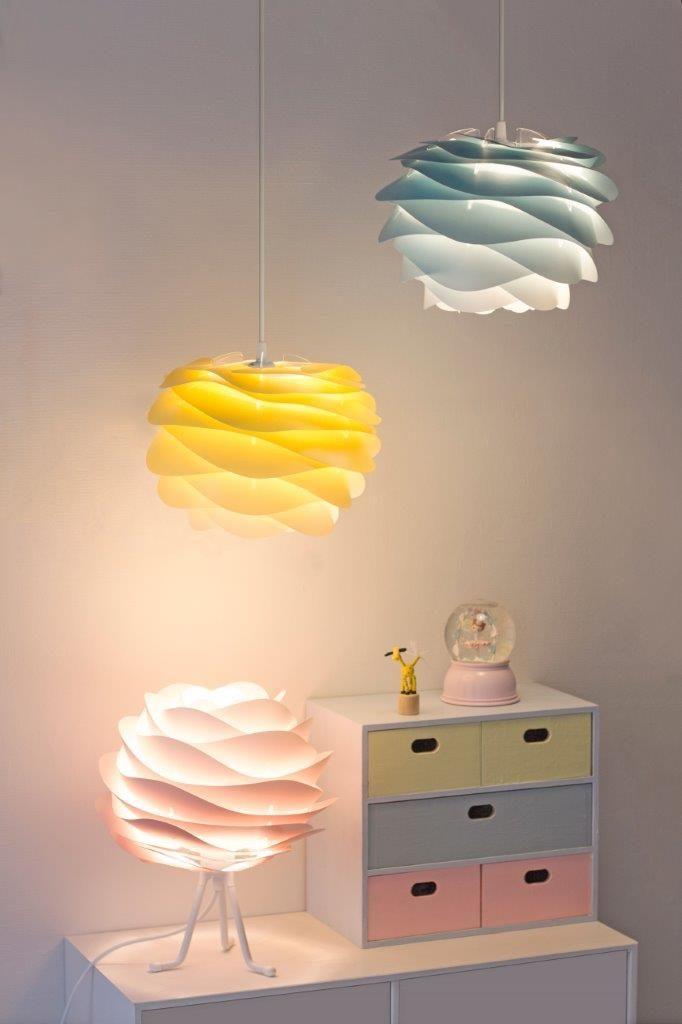 Lampa Carmina, dostępna w wielu pastelowych kolorach