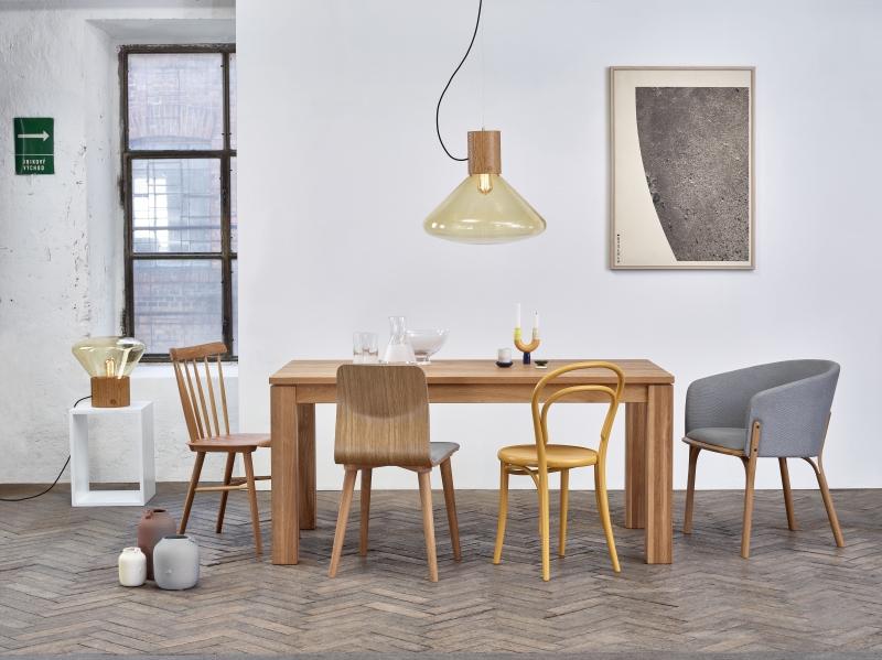 Krzesło Ironica, TON, Pufa Design