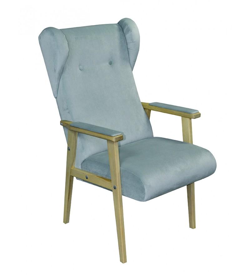 Fotel Tedy, również zaprojektowany przez Katarzynę Jasyk dla Happy Barok. Inspirowany stylem lat 70-tych. Unikatowy mebel w romantycznym stylu, obity miękką pluszową tkaniną, nadaje wnętrzom przytulności.